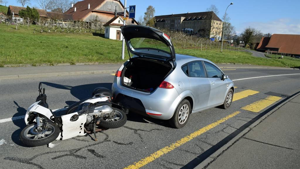 Motorradfahrerin bei Auffahrkollision verletzt