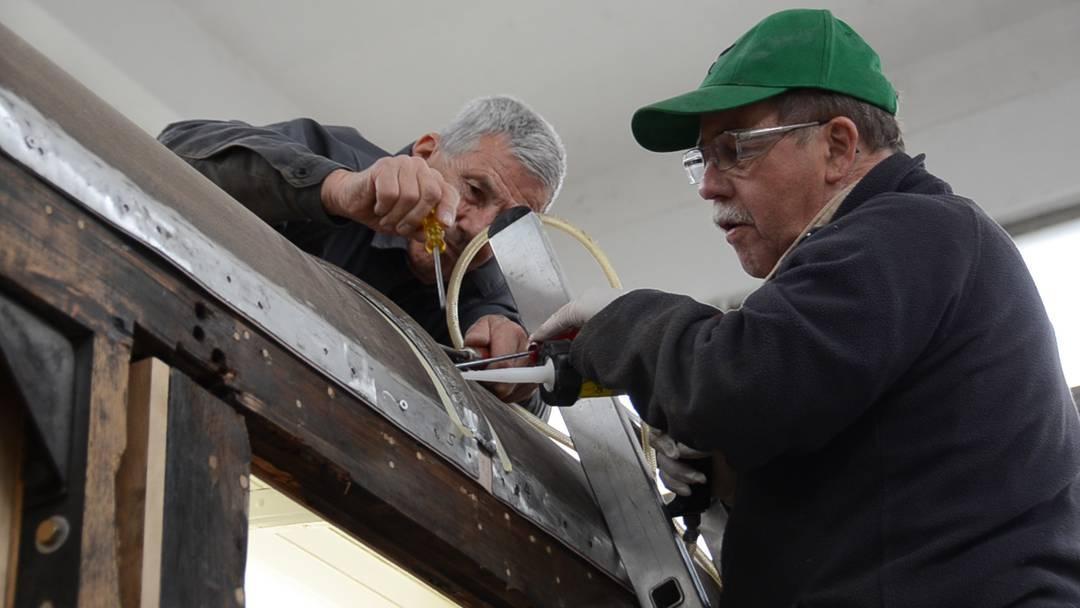 In Handarbeit und mit viel Liebe fürs Detail: So werden in der Wagenwerkstatt Aarau Waggons der Furkabahn restauriert