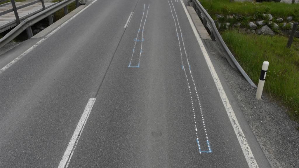 Die Unfallstelle lag auf der Strasse von Pontresina GR zum Bernina-Pass unmittelbar beim Werkhof.