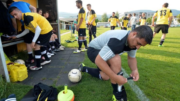 Treffpunkt Fussballplatz Lischmatt: Der FC Kappel a mit Sportchef Daniel Wyss (vorne) empfängt Wolfwil zum Keller-Gipfel in der 5. Liga, Gruppe 3.