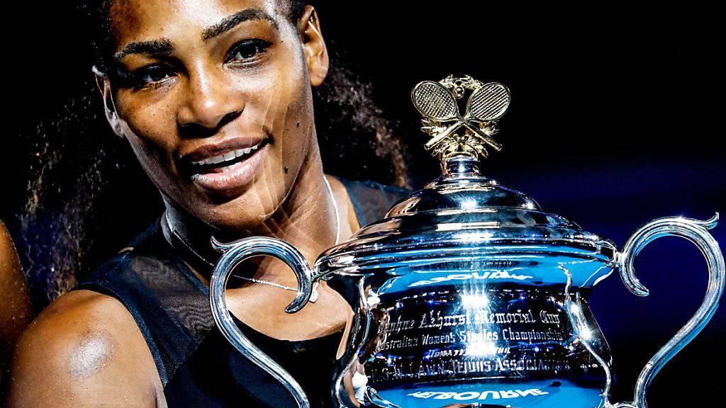 Wieder an der Spitze der Tenniswelt: Serena Williams mit ihrem siebten Australian-Open-Pokal