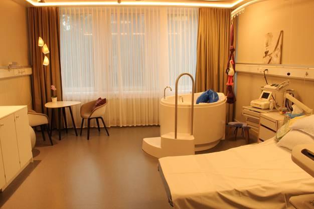Die schönen neuen Gebärsäle erinnern eher an Hotel- als an Spitalzimmer.