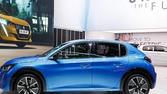 Der französische Auto-Hersteller PSA sieht sich einem massiven Absatzrückgang gegenüber. Zu PSA gehören etwa Peugeot, Citroen und Opel. (Symbolbild)