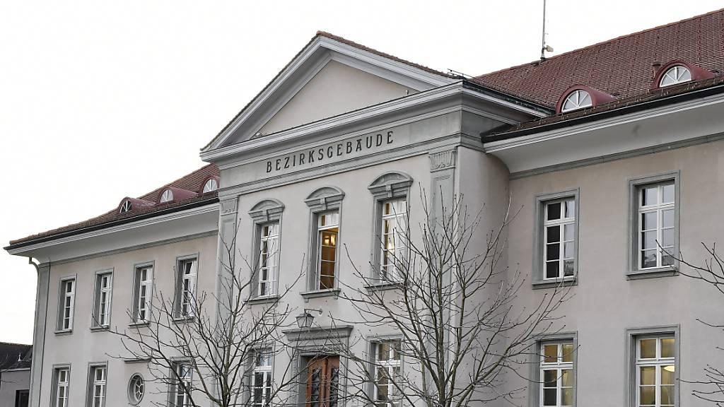 Mutter wegen Kindstötung vor Bezirksgericht Bülach