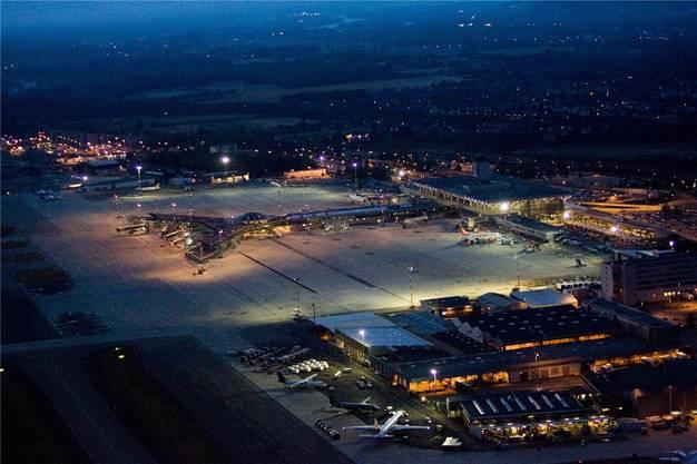 Baubeginn 2020, Fertigstellung 2025. So lauteten die Planungen für den Bahnanschluss zum Euro-Airport. Nun fehlt das Geld dafür. Keystone