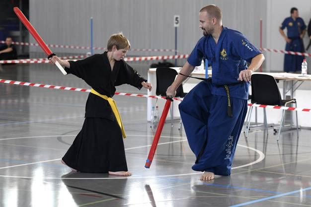 Zwei der Teilnehmer sind der aus Wohlen stammende Philipp Wenk und seinen elfjährigen Sohn Louis. Das Duell der beiden zieht die Zuschauer in den Bann.