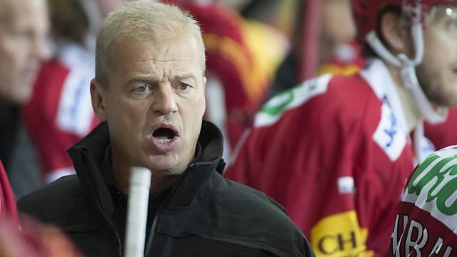 Ein unzufriedener Tiger-Coach Gustafsson nach dem Spiel gegen Visp