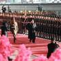 Kim Jong Un (Mitte) am Samstag vor der Abreise aus Pjöngjang zum zweiten Gipfeltreffen mit US-Präsident Donald Trump.