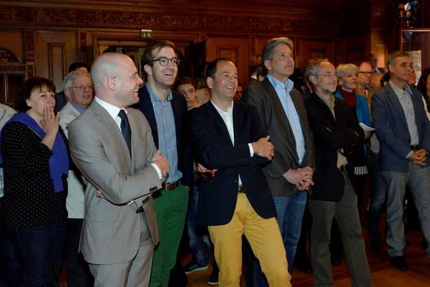 Daniel Goepfert (mit blauem Hemd und Jeans) hingegen muss eine Niederlage einstecken. Er kämpfte für den Rheinuferweg.