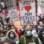 Protest gegen Lohnabbau: Rund 3500 Staatsangestellte beteiligen sich in Genf an einer Kundgebung durch die Innenstadt.
