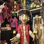 Die Kostüme kosten bis 10 000 Dollar – kein Wunder, werden die Prachtstücke ausgestellt.