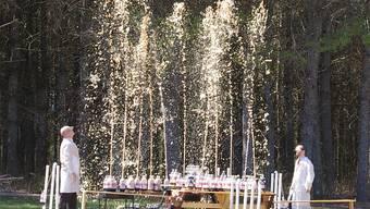 Die «Eepy Birds» wollen an der Jubiläumsfeier mit Mentos und Cola für ein Feuerwerk sorgen