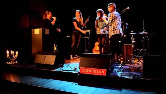 Taufe des ersten Albums von Gibberish mit Sue Sturzenegger (Diakonin und Verantwortliche Kirche rockt)