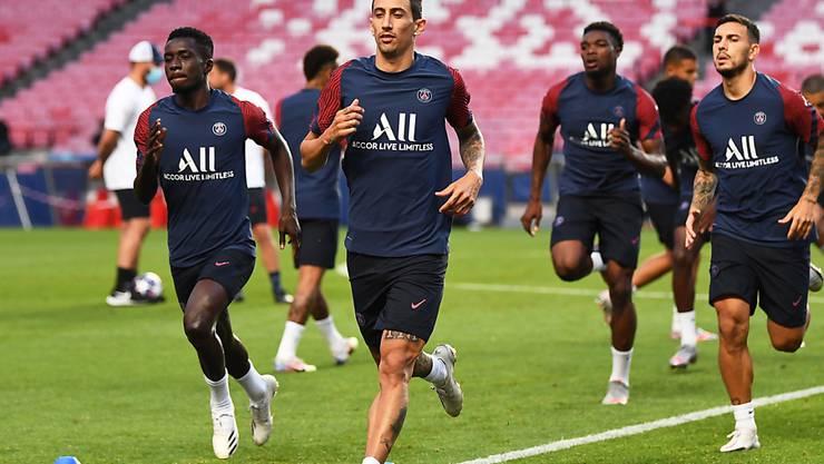 Laut Medienberichten soll sich PSG-Spieler Angel di Maria (vorne) nach einem positiven Corona-Test in Quarantäne befinden