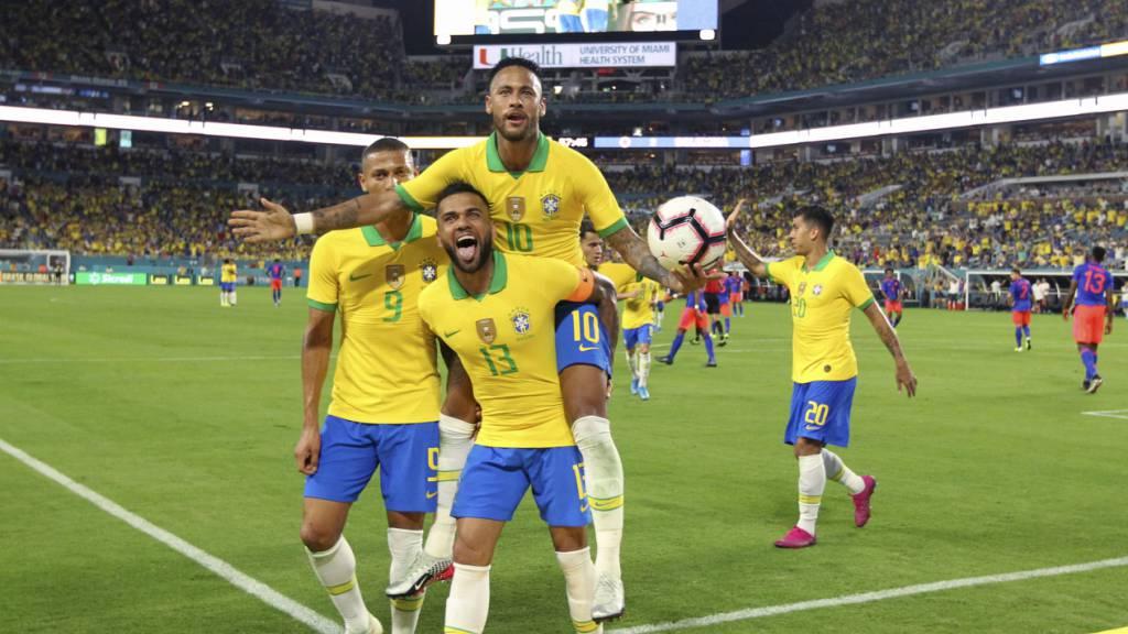 Neymar meldet sich mit Treffer zurück