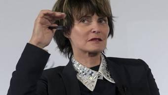 Trifft das hohe C: alt Bundesrätin Micheline Calmy-Rey ist jetzt Chor-Sängerin (Archiv)