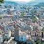 Das Altstadtreglement hält fest, dass in der Brugger Altstadt historische Ziegel bei Umdeckungen wiederzuverwenden sind.Bild: Michael Hunziker (Brugg, 5. Juli 2019)