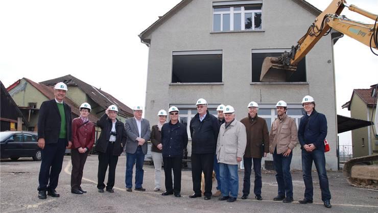 Die Baukommission freut sich über den Baustart des Rheinfels-Parkes in Stein.