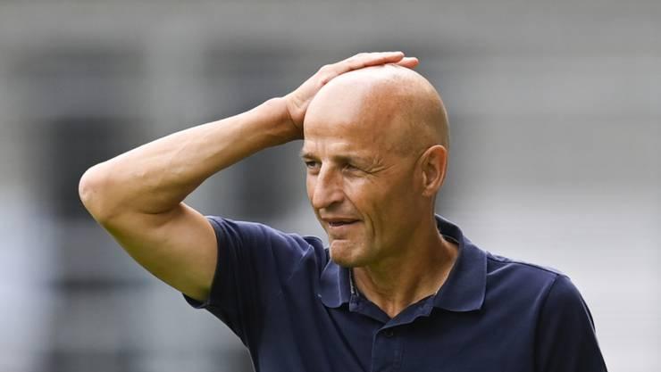 Auweia: St. Gallens Trainer Peter Zeidler sieht gegen Thun zwei komplett unterschiedliche Halbzeiten seiner Mannschaft
