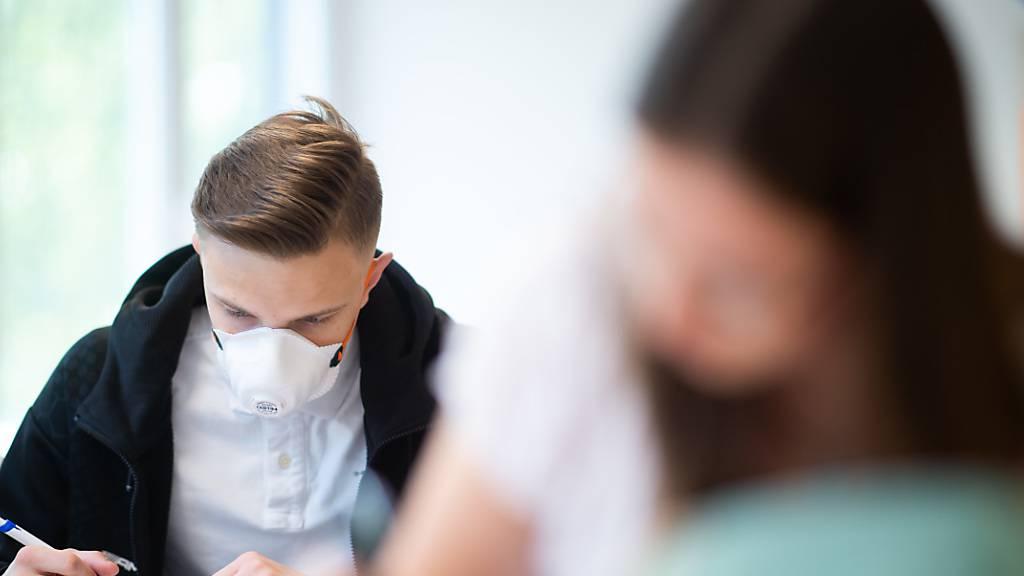 Maskenpflicht für Sek-Schüler und Schülerinnen
