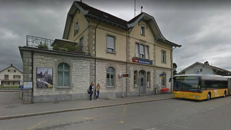 Die Tat ereignete sich am Samstagabend gegen 21.30 Uhr am Bahnhof Embrach.