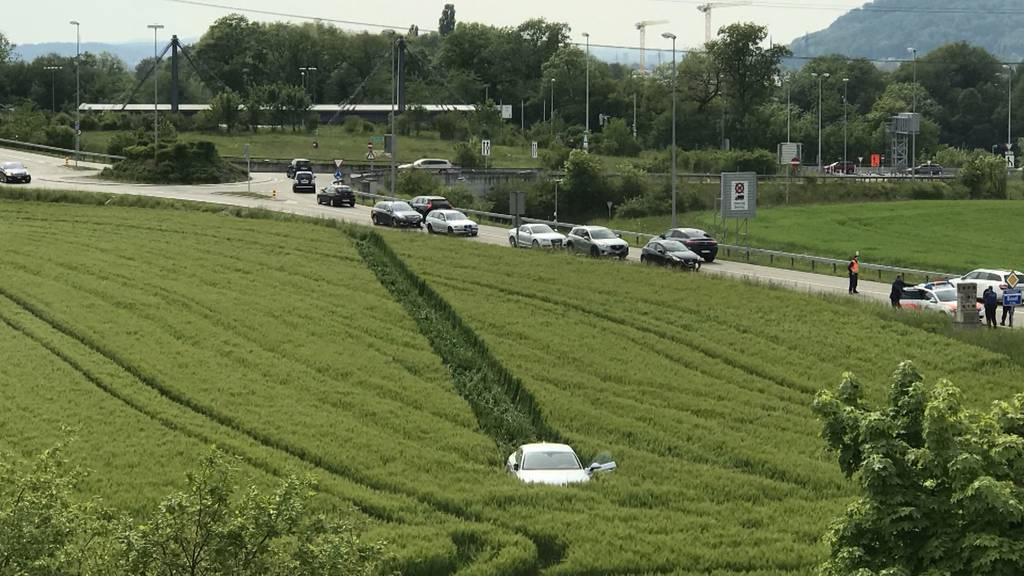 Verhängnisvolle Blaufahrt: Nach einem Ausflug in ein Gerstenfeld steht ein Autolenker vor Gericht