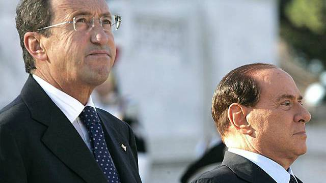 Gehen getrennte Wege: Fini (l.) und Berlusconi (Archiv)