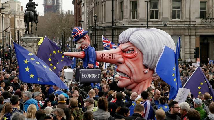 Das britische Unterhaus lehnte Mays Brexit-Deal zum dritten Mal ab.