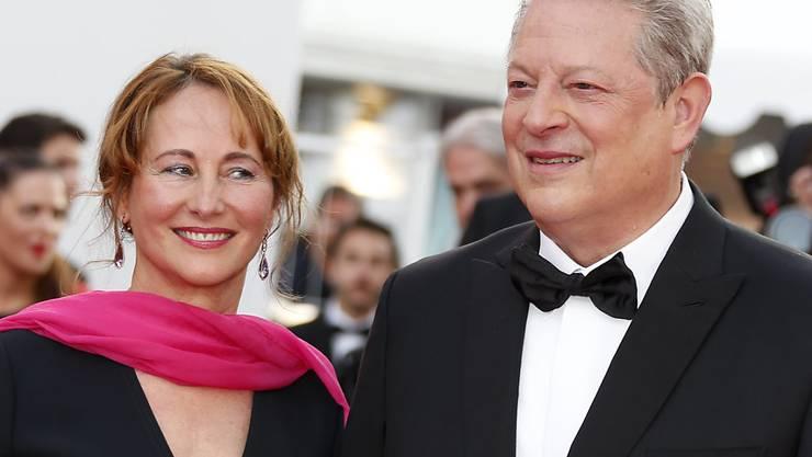 Der frühere US-Vizepräsident Al Gore und die frühere französische Umweltministerin Ségolène Royal am Montag in Cannes. Gore äusserte sich zuversichtlich, dass US-Präsident Donald Trump klimapolitisch zur Vernunft kommen werde.