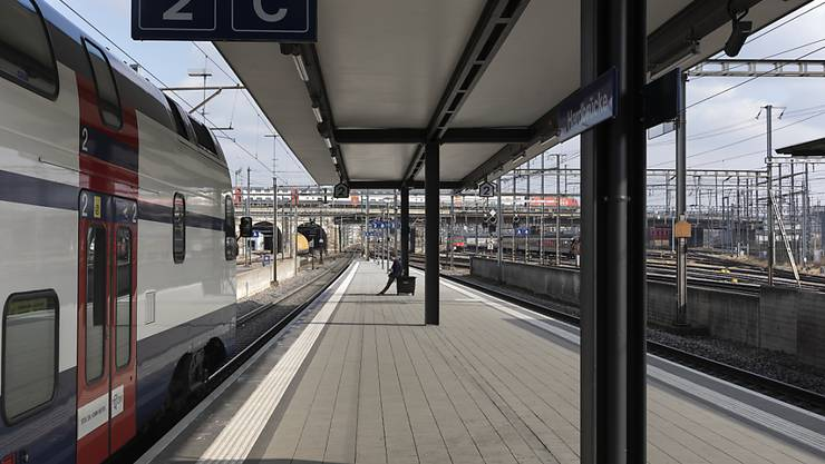 Mit dem Urteil des Bundesverwaltungsgerichts ist der Halbstundentakt der S3 zwischen Zürich Hardbrücke und Bülach in der Hauptverkehrszeit gesichert. (Archivbild)