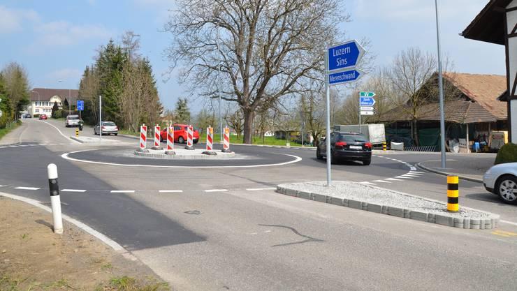 Der Hauackerkreisel sorgt bereits dafür, dass der Verkehr am Abzweiger Zürcherstrasse im Fluss bleibt und weniger Rückstau verursacht.