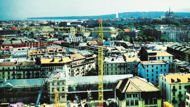 Die Wohnungsnot macht 30000 Genfer zu Grenzgängern – nun kühlt der Immobilienboom ab. Foto: ho