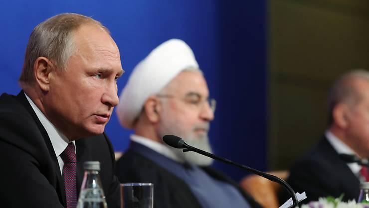 Die Präsidenten der Türkei, Russlands und des Irans konnten sich am Freitag in Teheran nicht auf eine Waffenruhe einigen. Am Samstag haben syrische und russische Streitkräfte Ortschaften in der Rebellen-Provinz unter Beschuss genommen. (Archivbild)