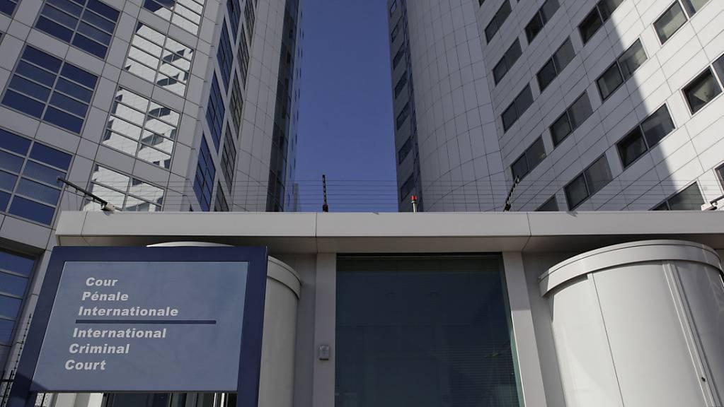 ARCHIV - Eine Außenansicht des Internationalen Strafgerichtshofs in Den Haag. Der Strafgerichtshof hat angekündigt, ein offizielles Ermittlungsverfahren gegen die philippinische Regierung wegen mutmaßlicher Morde bei der staatlichen Kampagne gegen Drogenkriminalität einzuleiten. Foto: Peter Dejong/AP/dpa