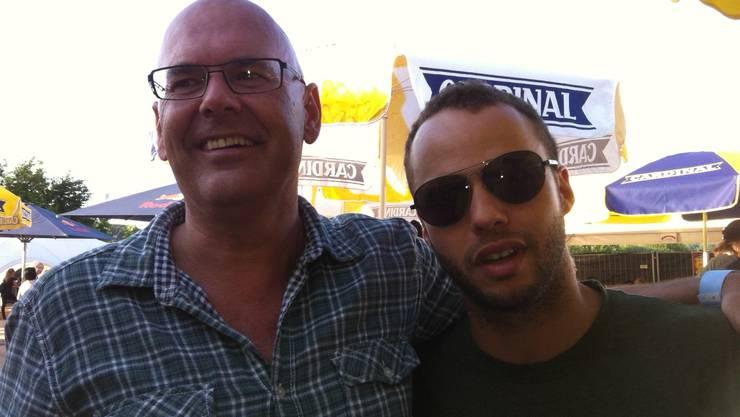 Der Autor Stefan Künzli mit Marlon Roudette