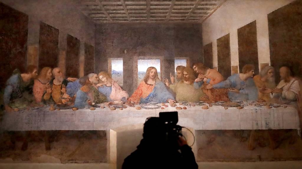Da Vincis «Das letzte Abendmahl» ist nach coronabedingter Schließung wieder für Besucher zugänglich. Foto: Antonio Calanni/AP/dpa