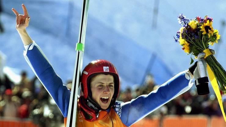 Simon Ammann nach der Flower-Ceremony, bei der er für den Gewinn auf der Normalschanze in Salt Lake City 2002 ausgezeichnet wurde.