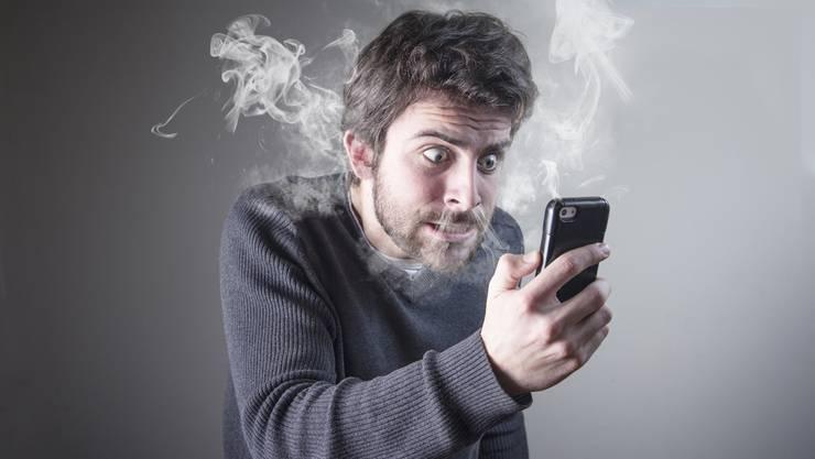 Sie helfen, treiben uns aber auch regelmässig in den Wahnsinn: Handy-Akkus. Vor allem dann, wenn sie keinen Saft mehr haben.