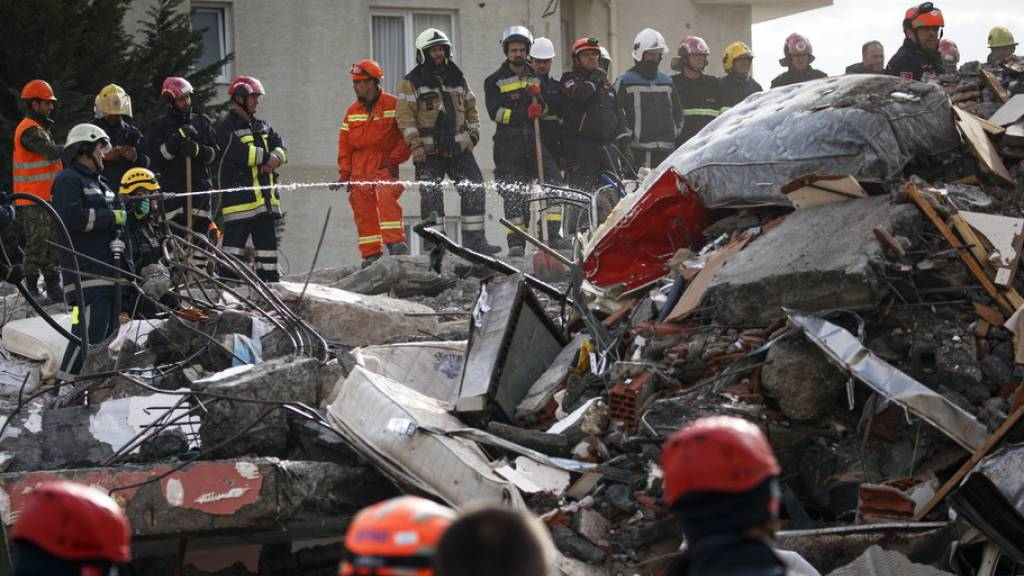 Zahl der Toten nach Erdbeben in Albanien steigt auf 49