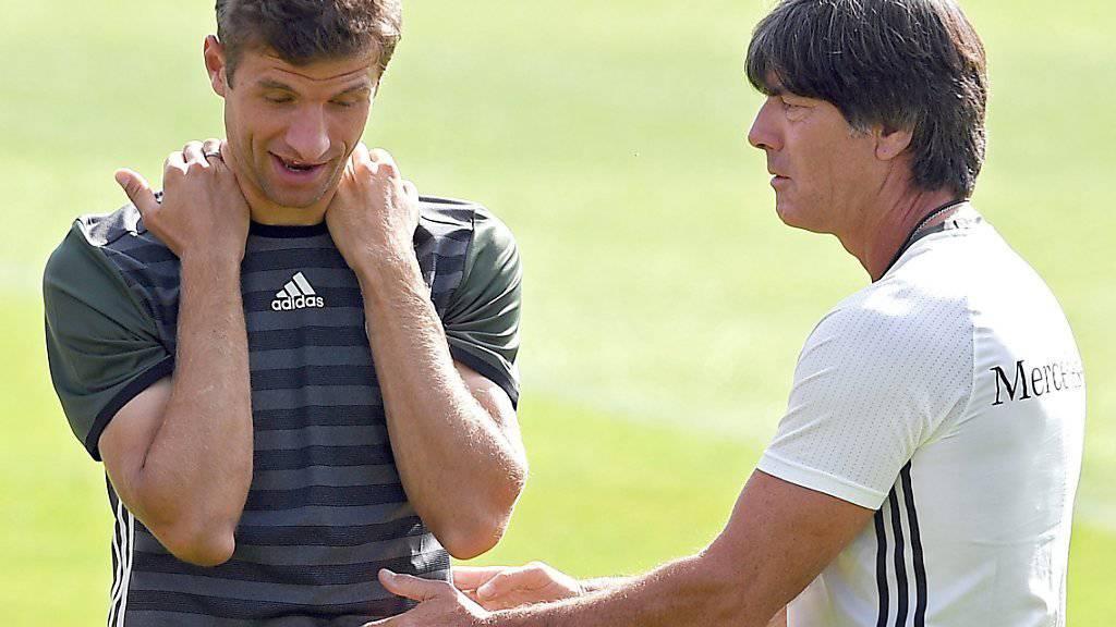Thomas Müller und Bundestrainer Joachim Löw starten in Norwegen zur WM-Qualifikation und zur Operation Titelverteidigung