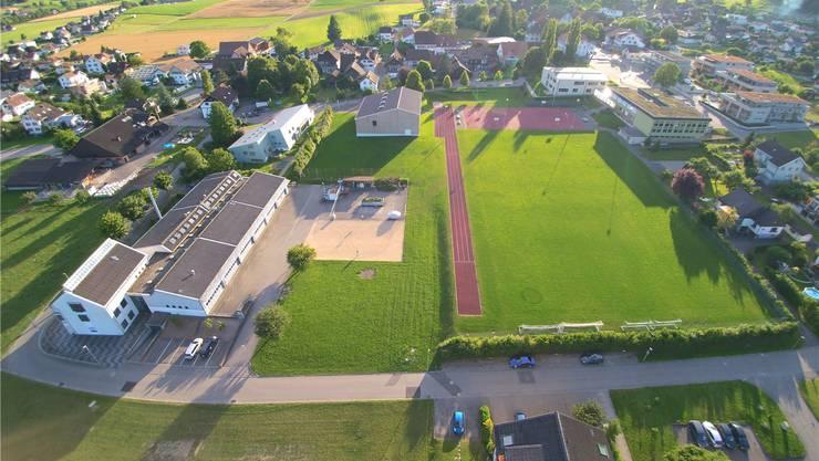 Matzendorf soll wieder einen öffentlichen Spielplatz bei der neuen Sporthalle erhalten, nachdem der alte zu einem grossen Teil der Turnhalle weichen musste.