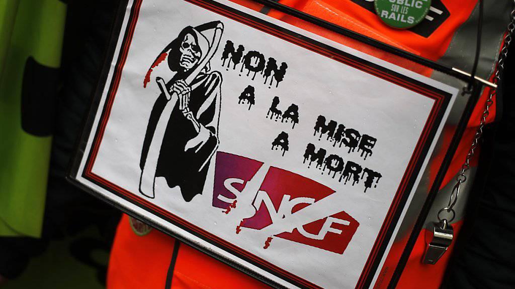 Die SNCF-Angestellten fürchten den Tod des Unternehmens und setzen ihren Streik fort