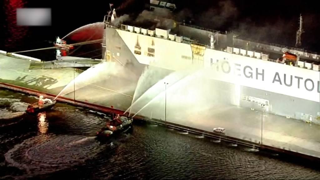 Schiffsexplosion in Florida - Neun Feuerwehrleute im Spital