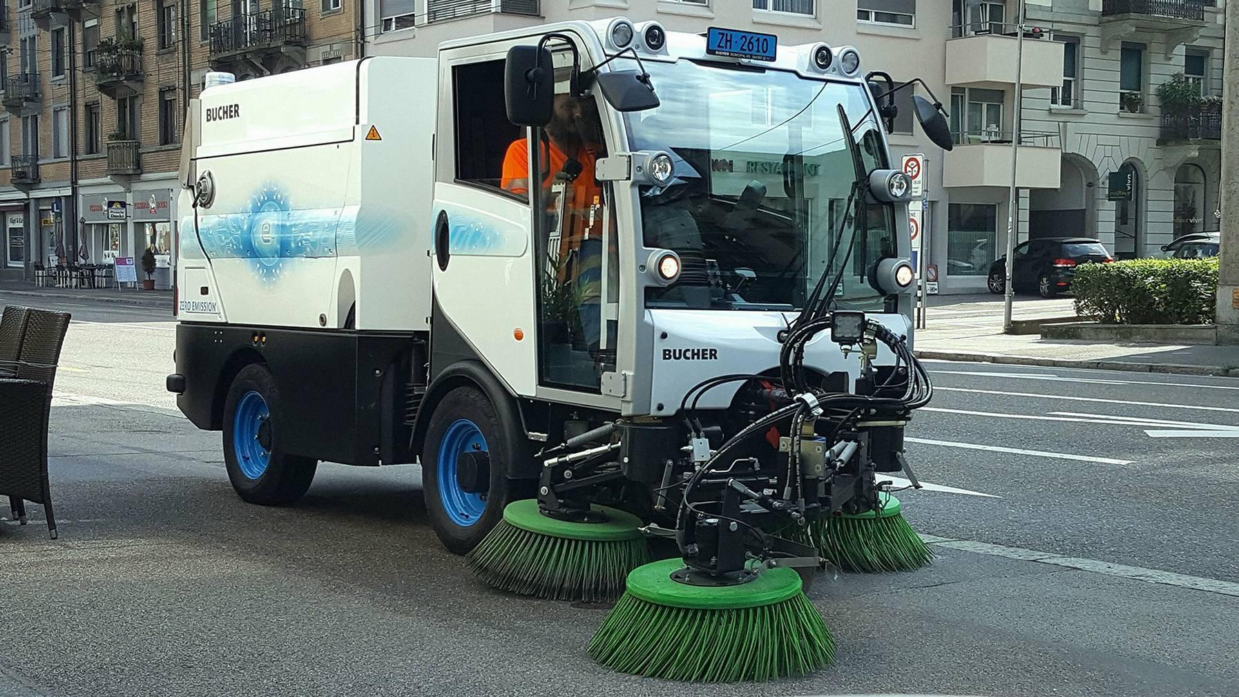 Diese Strassenreinigungsmaschine braucht noch einen Namen.