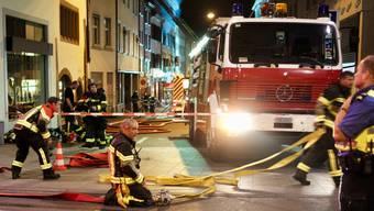 """In der Rheingasse brannte der """"Schwarze Bären"""" in der Nacht vom Freitag, 15., auf Samstag, 16. August. Fotograf: Otto Böhne"""