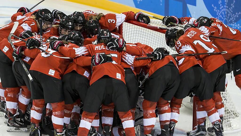 Frauen-WM in Calgary beginnt mit vier Monaten Verspätung