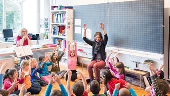 Vor allem Frauen unterrichten in der Primarschule – viele in einem Teilzeitpensum. Das     verschärft den Lehrermangel.