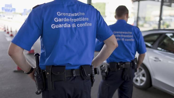 Der 18-jährige Italiener machte die Grenzwache mit einem Wendemanöver auf sich aufmerksam.