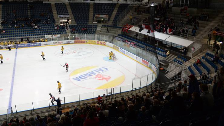 Ein Hockeyspiel in der St. Jakob-Arena.