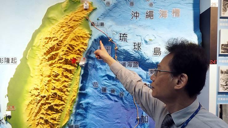 Ein starkes Erdbeben erschütterte am frühen Donnerstagmorgen (Ortszeit) den Nordosten Taiwans.